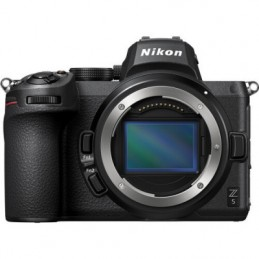 NIKON Z5 Body + SD 64GB...